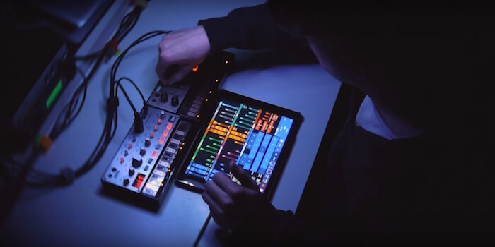 Glitch Jam with the Korg Volca and iPad