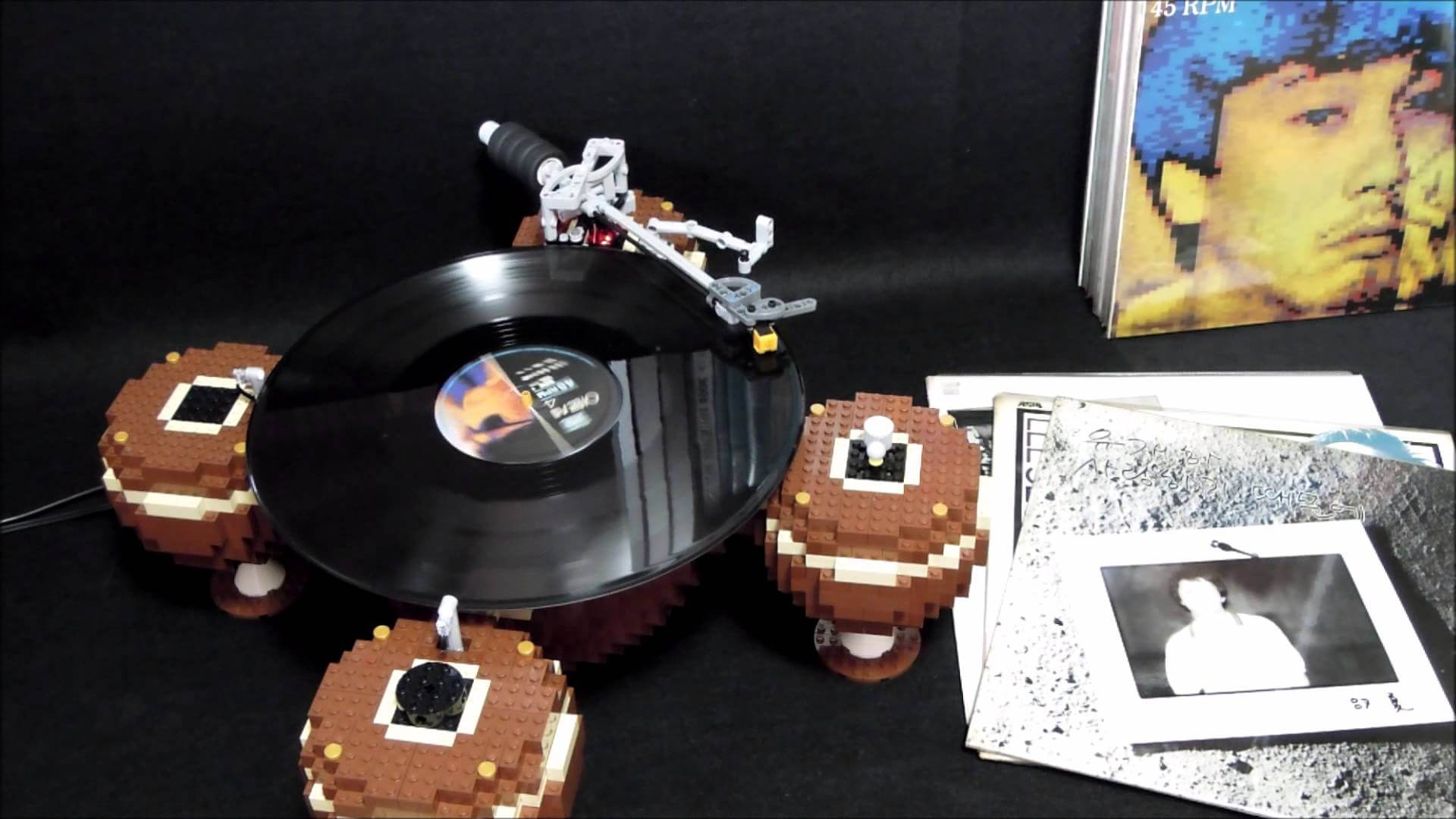 This Turntable Is Made of 2,405 Lego bricks